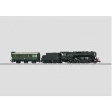 Märklin 37887 Separate steam locomotive with crew wagon.