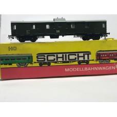 Schicht 426/1111 post/parsels/goods wagon - HO gauge in green color