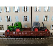 ROCO 56021 Stake Wagon with 2 x Tractor Load of the DR